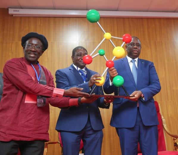 Macky Sall a inauguré l'institut de recherche en santé de surveillance épidémiologique et de formation de Diamniadio.