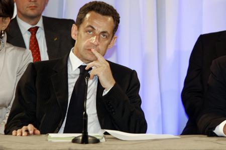 """Nicolas Sarkozy hospitalisé au Val-de-Grâce après un """"malaise vagal"""""""