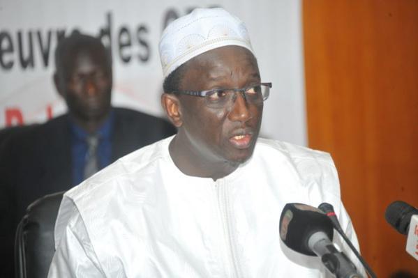 Korité 2017 à la mosquée omarienne: Amadou Ba présente ses condoléances à la famille de feu Habib Thiam et…