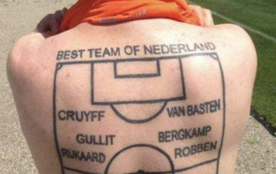Un Géorgien se fait tatouer son onze de rêve des Pays-Bas