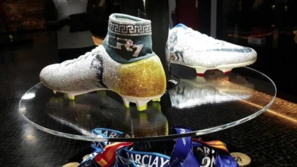Des chaussures en diamants pour cristiano Ronaldo