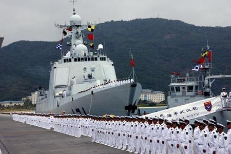 """Huit marins chinois finissent leur escale à Dakar en... prison pour avoir molesté un """"taximan"""" et défié des gendarmes"""
