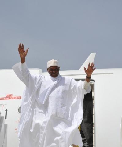 """Retour de Wade : """"aucun document autorisant l'atterrissage de son vol à Dakar, n'est encore signé"""", les libéraux haussent le ton"""