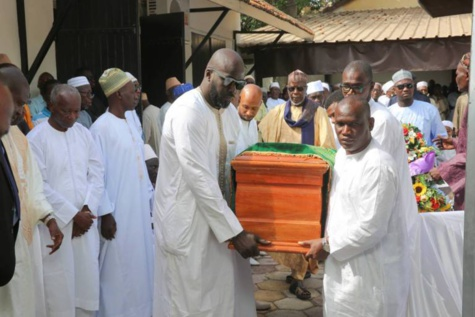 Le Président Macky Sall a assisté à la levée du corps de Babacar Ndiaye, ancien Président de la BAD (images)