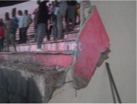 Retour en images sur le lieu la bousculade mortelle au stade Demba Diop
