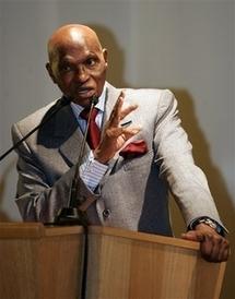 Me Wade adresse ses félicitations à Ali Bongo