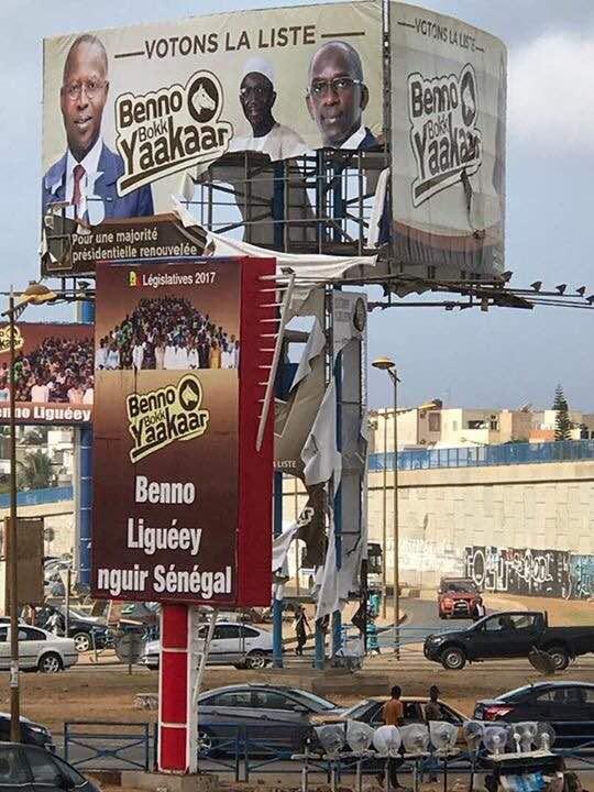 Photos : les affiches de Benno Bok Yaakar vandalisées