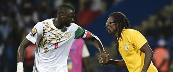 Indisponible jusqu'en septembre: Cheikhou Kouyate forfait contre le Burkina Faso