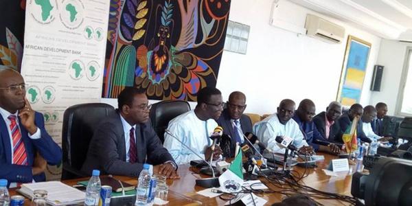 Financement du projet du TER: Le Sénégal et la Bad signent un accord de prêt de 120 milliards de FCfa