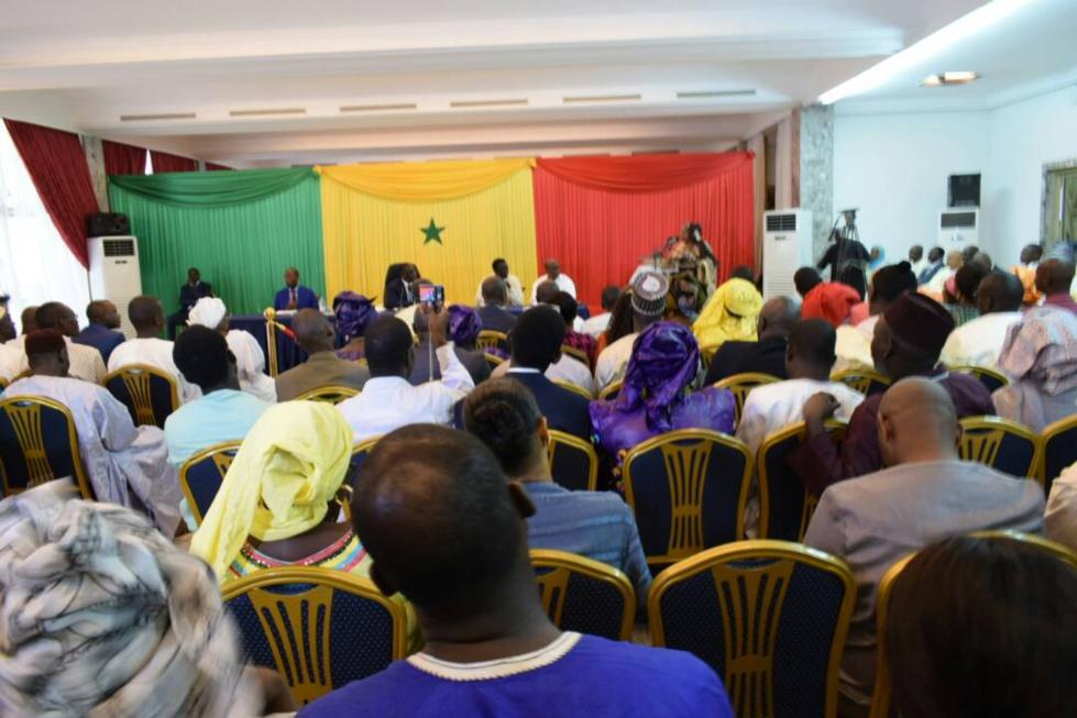 Restitution des 336 titres fonciers de la cité Tobago : Macky Sall, champion de coeur de l'inclusion et de l'équité sociales (Photo -Vidéo)