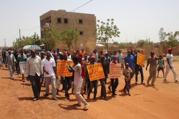 Les politiciens viennent à Kanel seulement si on est en élection, selon les jeunes du Kanel