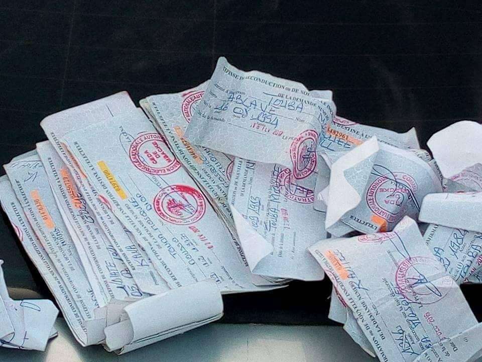 (Photos) Voici les récépissés ramassés dans la permanence de Abdoulahad Seck Sadaga, à Touba