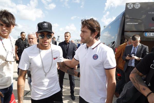 Les premières images de Neymar à Paris