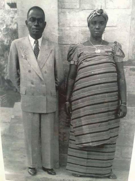 Houphouët Boigny et son épouse sénégalaise Khady Sow en 1930...Qui était cette Saint-louisienne?