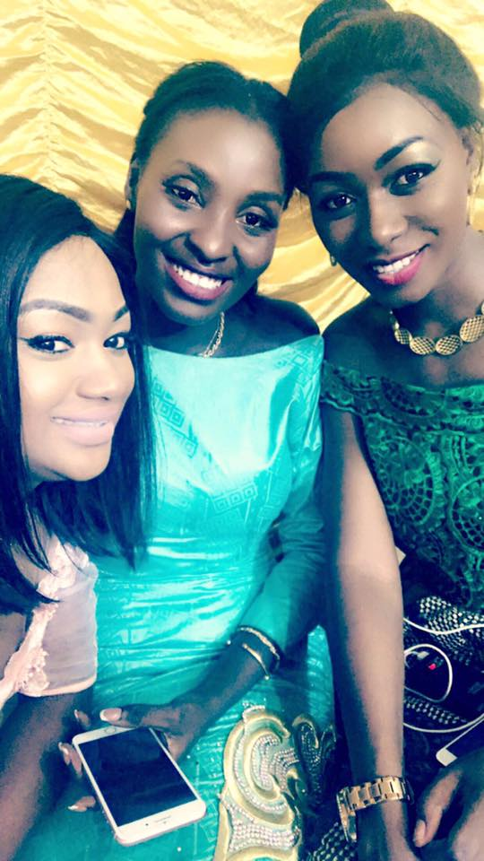 ( 06 Photos ) Mme Diallo Kya Aidara toute ravissante …au mariage de Zahra Mbow