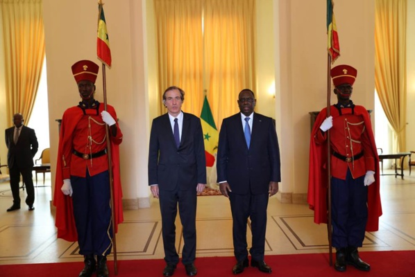 Remise lettres créances de l'Ambassadeur de France Christophe Bigot au président de la République du Sénégal, Macky Sall.