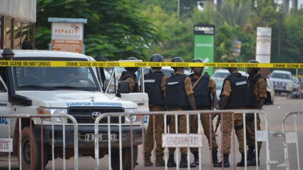 Burkina: Les habitants de Ouagadougou sous le choc après l'attaque du café Aziz Istanbul