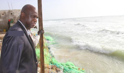 """Langue de Barbarie: Mansour Faye juge """"urgente"""" la résolution de l'avancée de la mer"""
