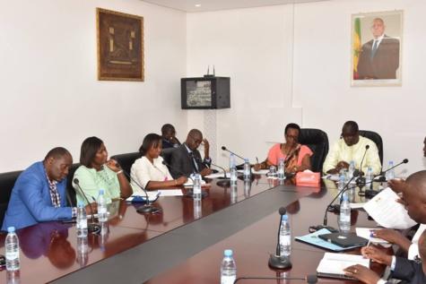 Séance de travail entre le ministre de la Gouvernance locale Abdoulaye Diouf Sarr et son homologue du Burundi (Images)
