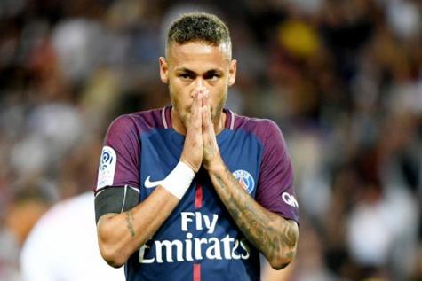 Quand le PSG oublie de mettre Neymar dans le groupe