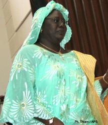 Communication gouvernementale : Mme Sokhna Dieng offre ses services a Wade, après ceux rendus au sombre dictateur Mobutu