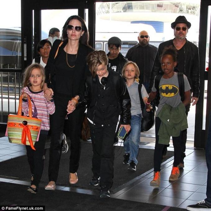 Une nouvelle fracassante pour le couple Brad Pitt et Angelina Jolie: C'est officiel, ils se remettent ensemble !
