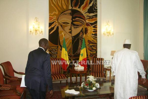 (Photos) Le Premier ministre a présenté sa démission ainsi que celle de son gouvernement