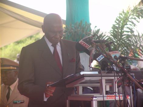 Le président Wade préconise une télévision et une radio pour l'Afrique