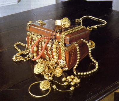 SCANDALE A LA MECQUE CHEZ LES PELERINS DU VOL 1A : Une Adja de Hlm 5 prise en flagrant délit de vol d'or d'une valeur de 3 millions