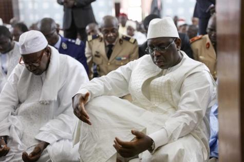 """Macky Sall : """"Le nom de Djibo Kâ, un illustre fils du Sénégal, est intimement lié à notre histoire politique de ces cinquante dernières années"""""""