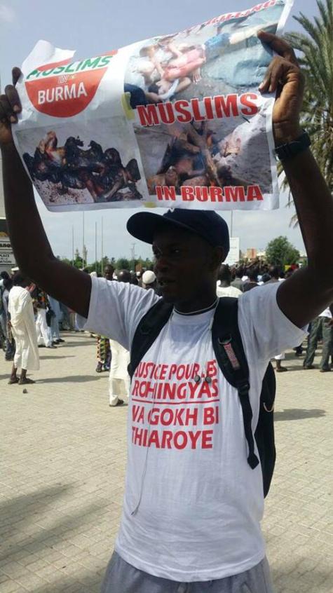 Images -Marche de protestation des musulmans sénégalais contre le massacre des Rohingyas (Birmanie)