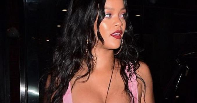 Cette tenue de Rihanna affole de nouveau le web, cette fois-ci, elle en montre beaucoup!