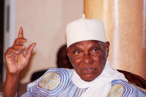 Me Abdoulaye Wade présente ses condoléances aux familles de Djibo Leyti Kâ et Amadou Tidiane Bâ