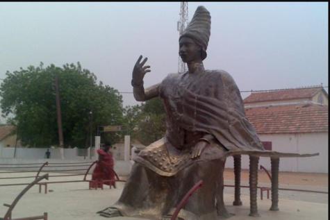 Il faut ériger une statue de Linguère Ndatté Yalla à NDAR (par Amadou Bakhaw DIAW)