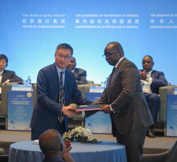 """Mouhamadou Makhtar Cissé, DG de SENELEC, ce matin, à la troisième édition du Forum """"Investir en Afrique"""" au CICAD Diamniadio."""