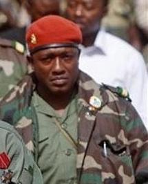 La vie du Capitaine Moussa Dadis Camara ne serait pas en danger affirme le Ministre guinéen de la communication : Toumba Diakité serait sous les verroux
