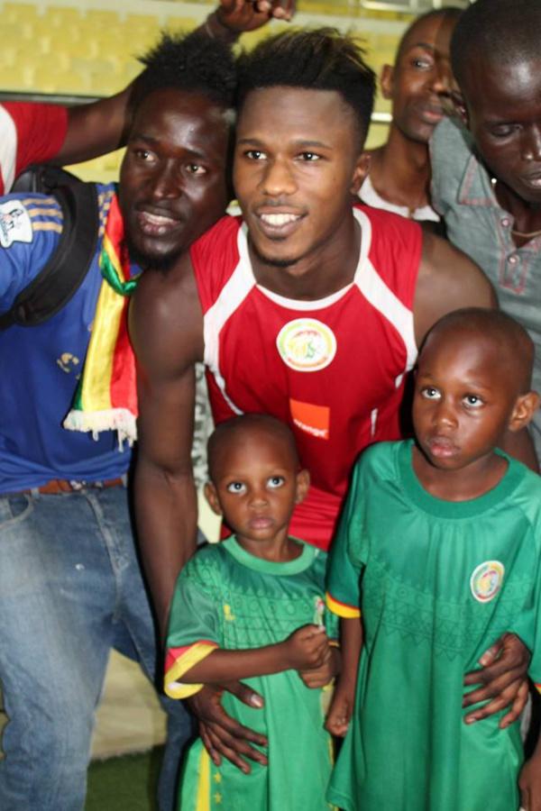 Cap Vert, Praia: les Lions en toute complicité avec les supporters … Tout ce que vous n'avez pas vu en Images