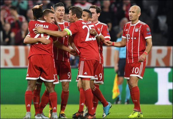 Le Bayern et le PSG l'emportent sans forcer