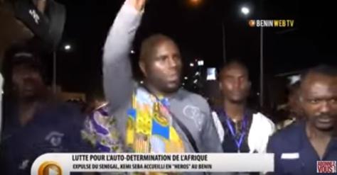 Vidéo-  Accueilli en héros au Bénin, Kemi Séba se défoule sur Macky Sall et Ouattara