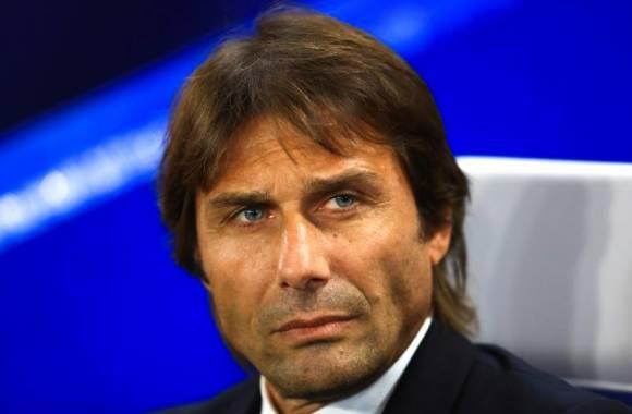 """Premier League: Antonio Conte dénonce les """"conneries de rumeurs"""" des journalistes"""