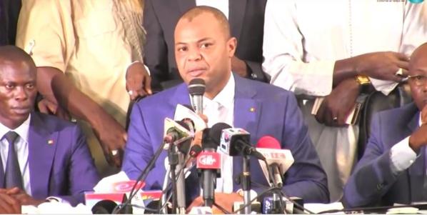Les nouveaux vautours de la r publique par abdoulaye fall chef de cabinet du ministre du tourisme - Chef de cabinet du president de la republique ...