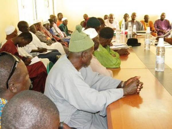 Macky Sall rétablit les chefs de village dans leurs droits