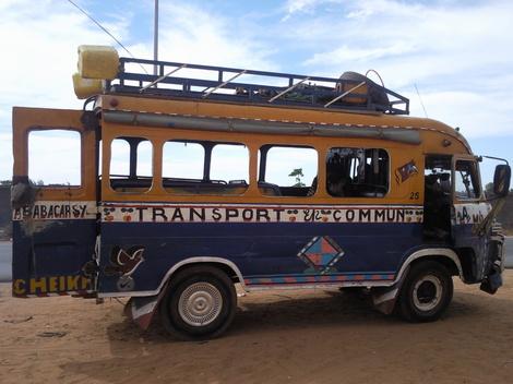 """Sénégal, rien n'arrête les """"cars rapides"""""""