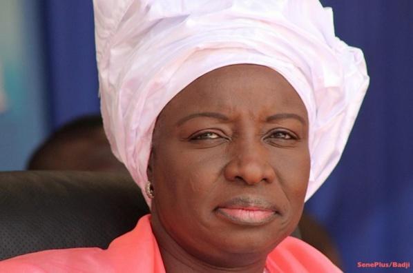 Mimi Touré renonce: « la bienséance républicaine n'autorise pas à défier un ancien Président»