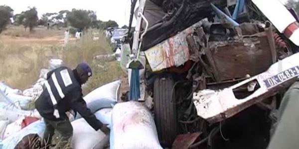Accident spectaculaire à Pout : Le train percute une voiture et la traîne sur 200 m