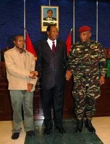 Guinée: le chef de la junte amaigri, avec une longue cicatrice sur le crâne