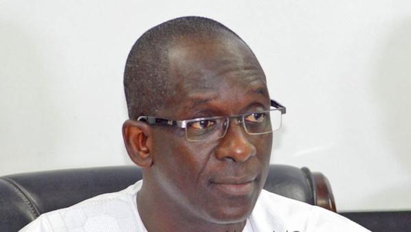 Abdoulaye Diouf Sarr se plie devant les menaces des syndicalistes de la Santé et l'Action  sociale
