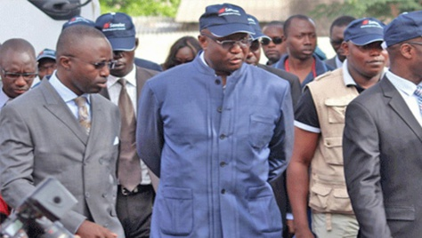 Perturbation dans la fourniture d'électricité à Dakar : Le Dg de la Sénélec présente ses excuses aux populations et annonce une plainte contre X
