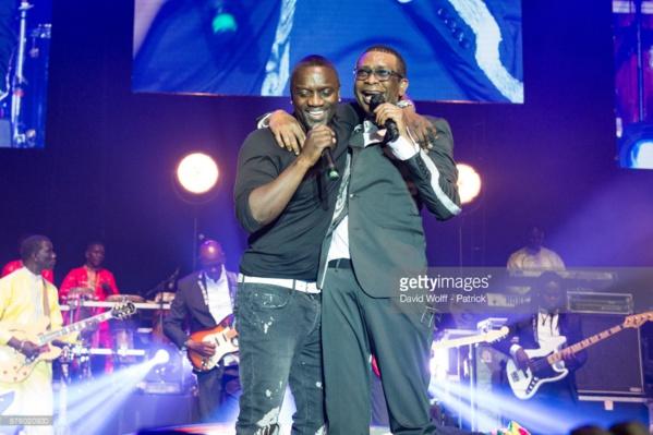 (Photos ) Revivez le Show AKON à Bercy avec Youssou NDour (SONG DANN LIVE)