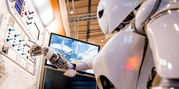 Un robot obtient haut la main, le diplôme de médecine, en Chine